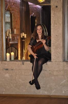 Kirsty Orten - Violin